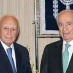 At state dinner, Peres says that his late father, Yitzhak, as a soldier in the British Army, had been stationed in Greece.